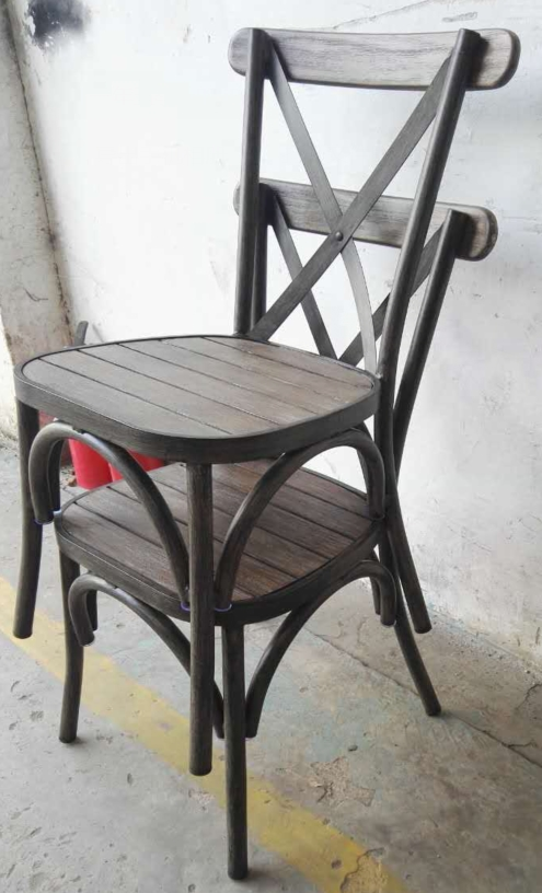 כסאות נערמים - דגם איקס טיק