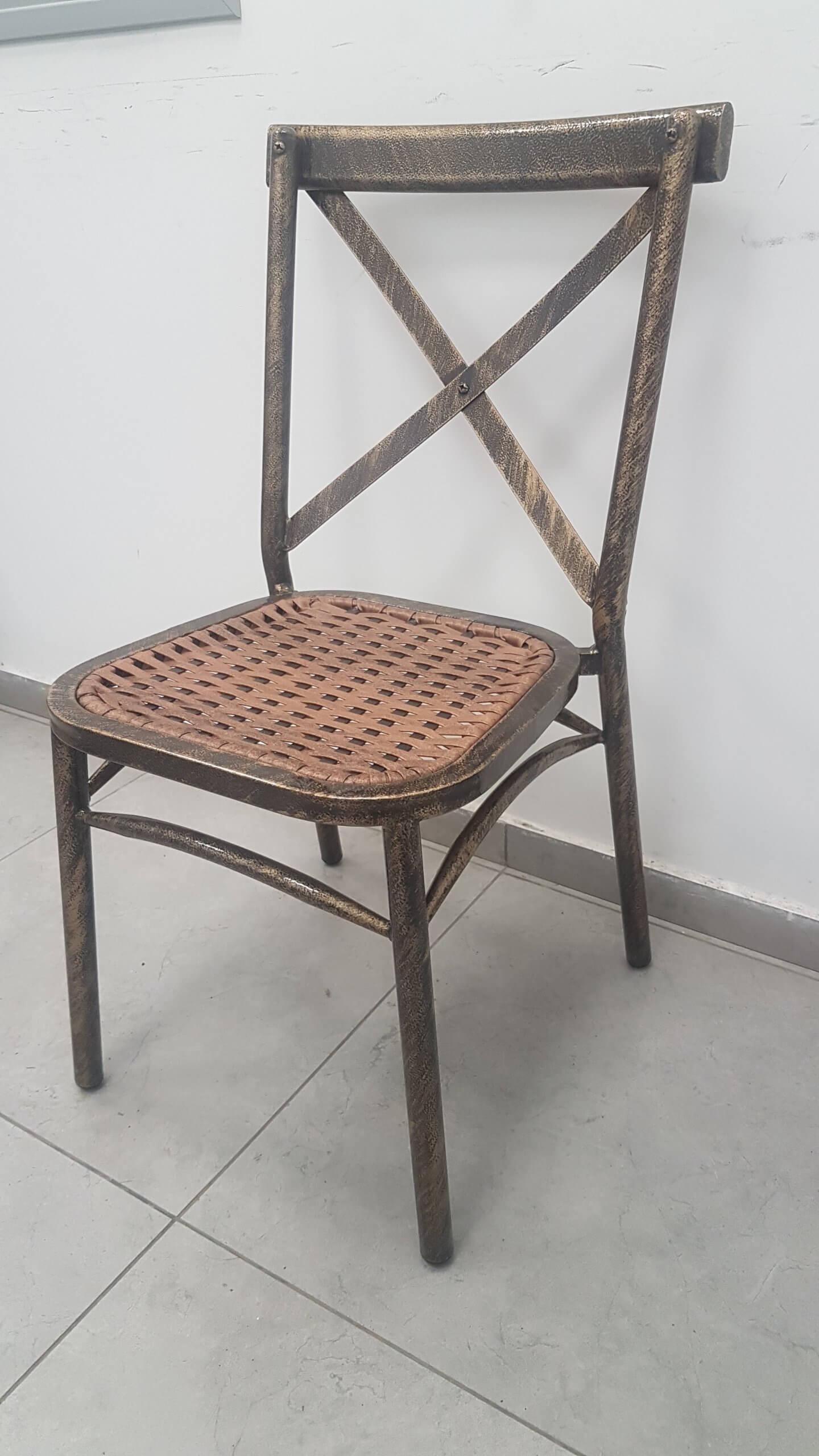 כיסא נערם איקס שחור מגולוון - אופק כסאות